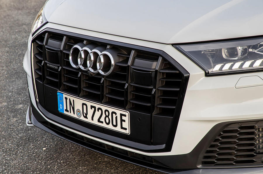Audi Q7 TFSI e 2019 first drive review - front grille