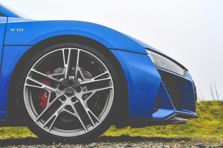 Audi R8 2019 UK first drive review - alloy wheels