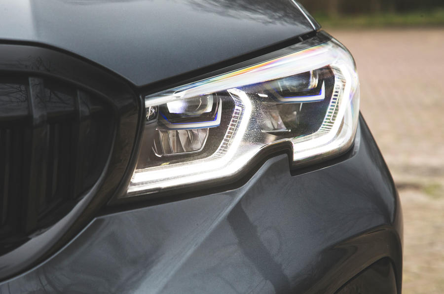 BMW 3 Series 330i 2019 UK review - headlights