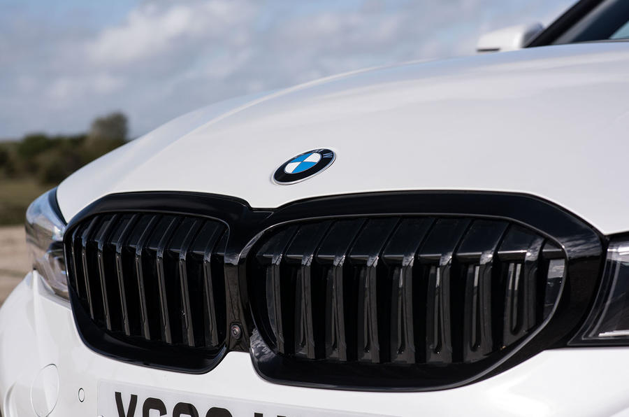 BMW 3 Series Touring 330d 2019 UK first drive review - kidney grille