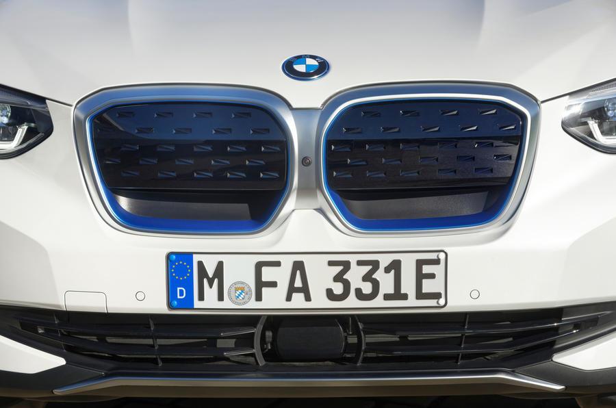 BMW iX3 2020 : premier examen de la conduite - nez