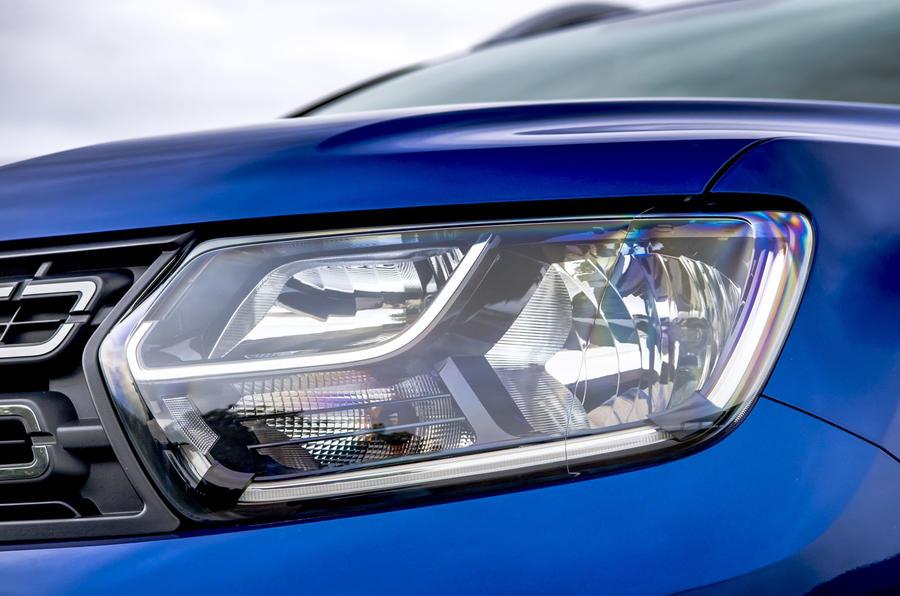 Dacia Duster Bi-Fuel 2020 UK first drive review - headlights