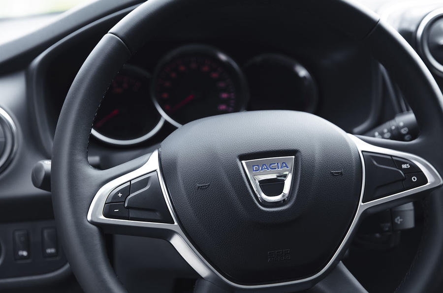 Dacia Sandero 2019 UK first drive review - steering wheel