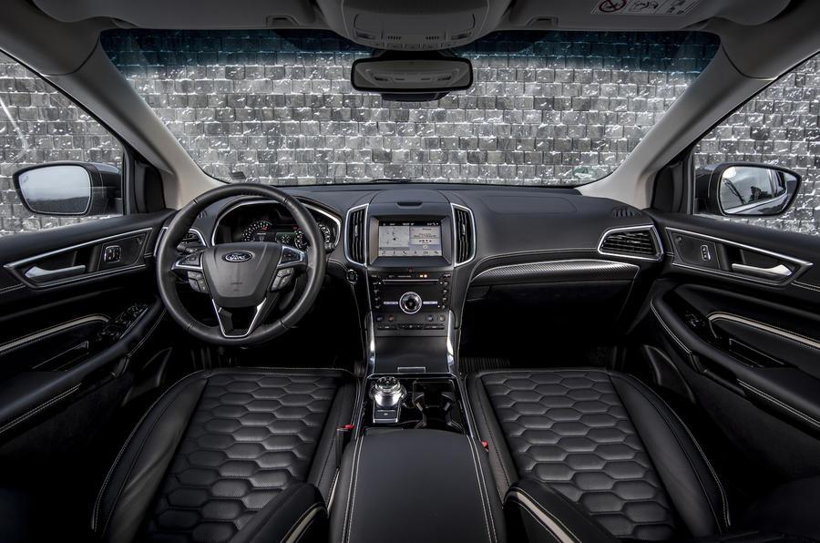 4-ford-edge-vignale-2018-fd-cabin