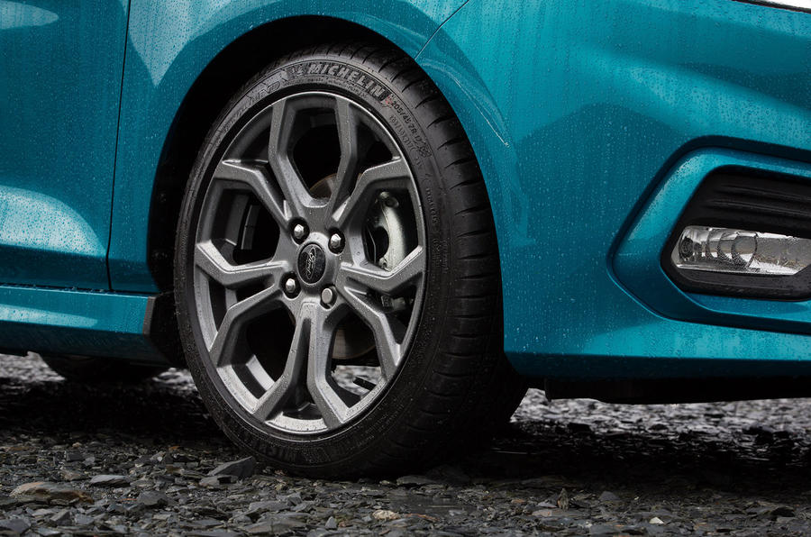 Ford Fiesta EcoBoost mHEV 2020 UK first drive review - alloy wheels