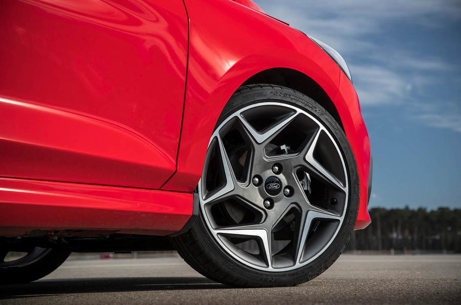 Ford Fiesta ST 2018 review alloy wheels