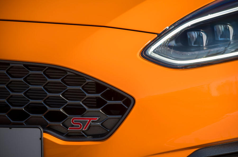 Ford Fiesta ST Performance 2019 first drive review - front badge