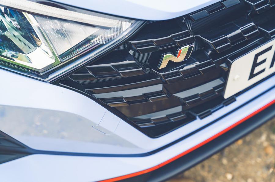 4 Hyundai i20N 2021 RHD UE FD badge avant