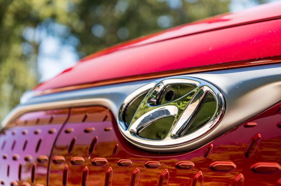 Hyundai Kona EV prototype drive 2018 grille