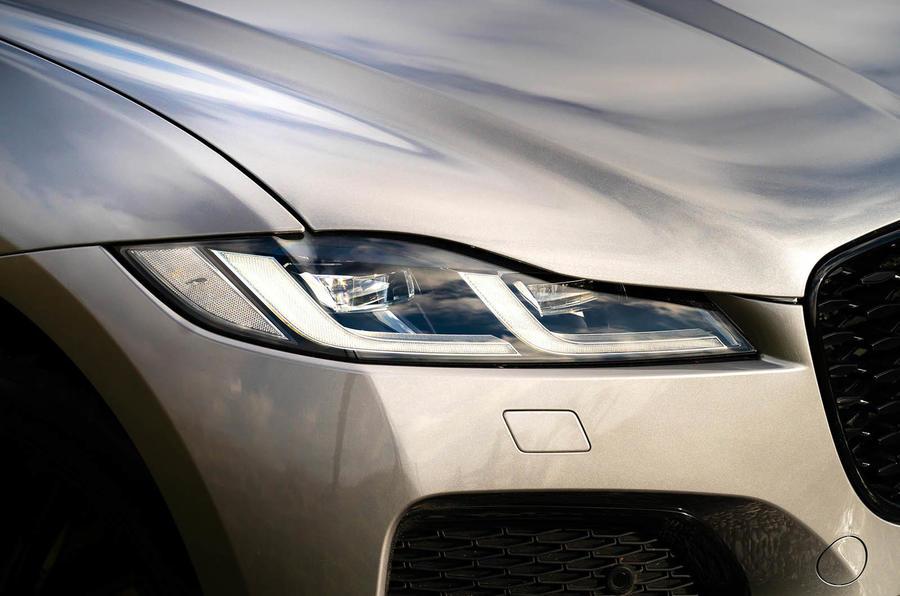 4 Jaguar F Pace 2021 : le premier examen des phares de conduite au Royaume-Uni
