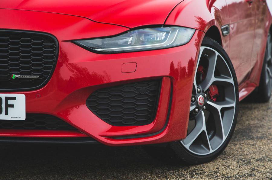 Jaguar XE P300 2019 first drive review - headlights