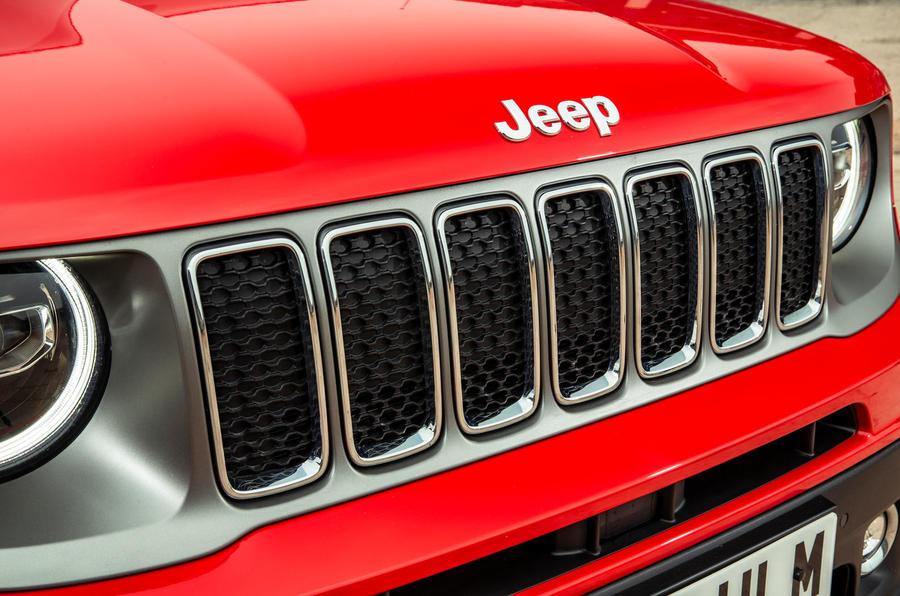 Jeep renegade Longitude 2019 UK first drive review - front grille