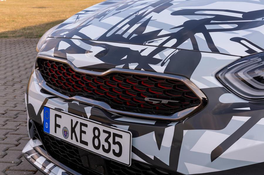Kia Proceed GT 2018 prototype drive kidney grille