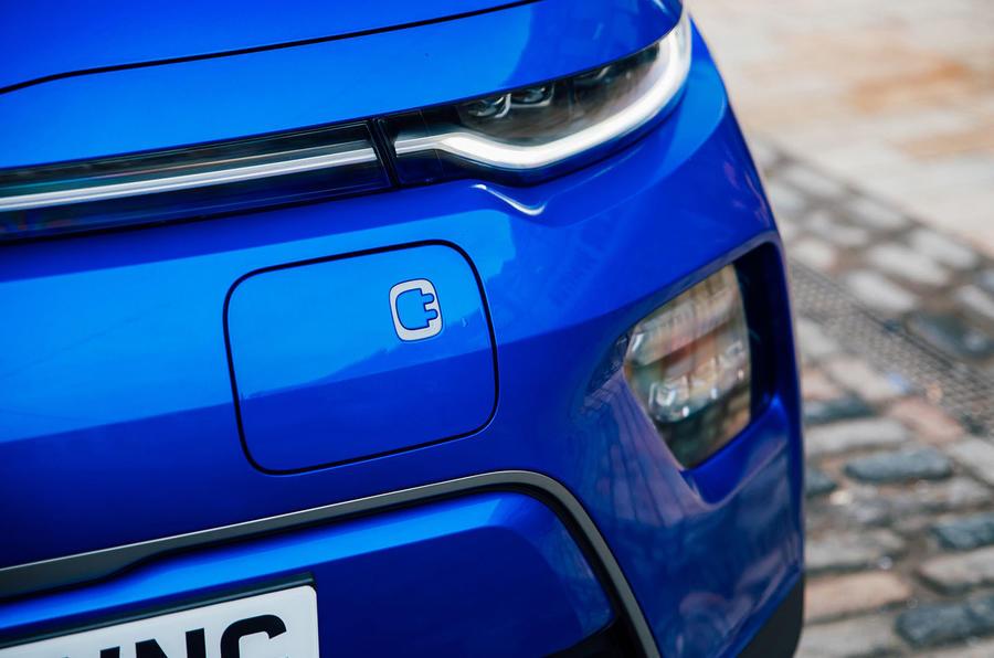 Kia Soul EV 2020 : premier bilan de la conduite au Royaume-Uni - port de chargement