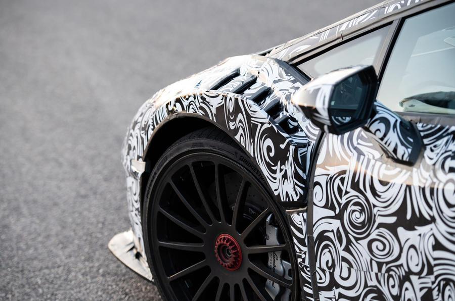 Lamborghini Huracan STO 2020 : premier bilan de conduite - arches avant