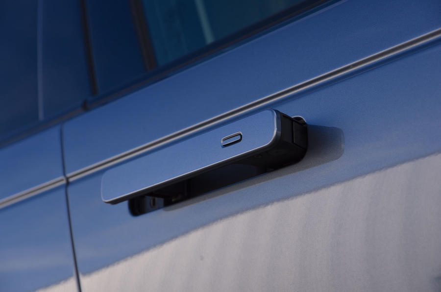 Land Rover Range Rover Velar 2019 UK first drive review - door handles