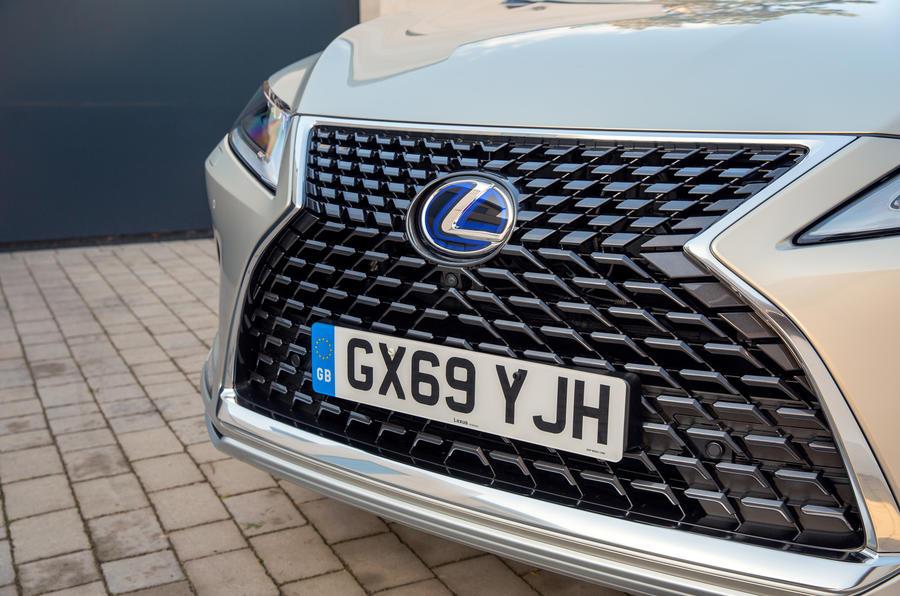 4 Lexus RX 450h L 2021 UE FD nez