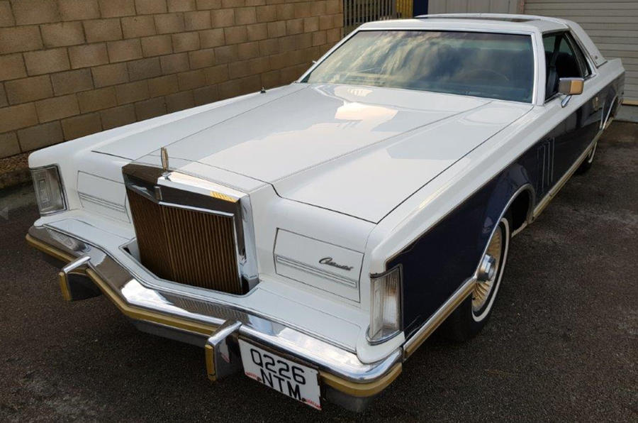Lincoln Continental - static front