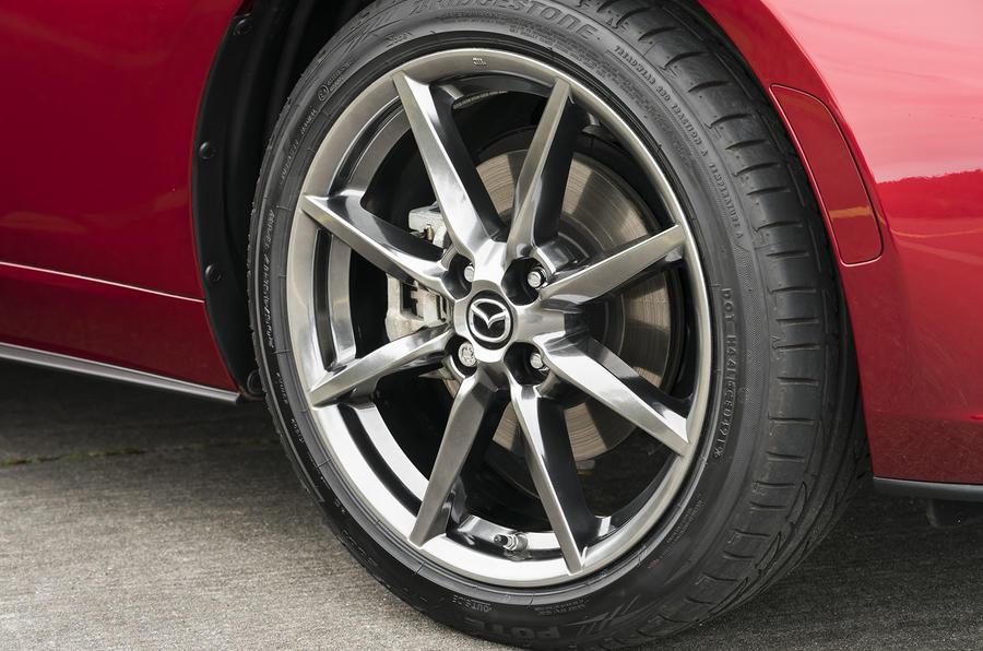 Mazda MX-5 2.0 Sport Tech 2020 : premier examen de conduite au Royaume-Uni - roues en alliage