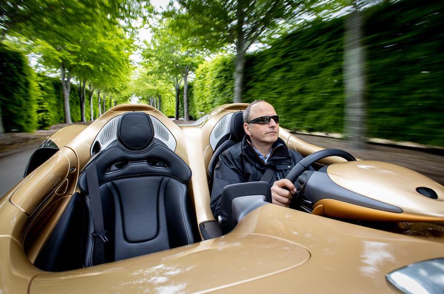 4 McLaren Elva 2021 UE FD AF conduite