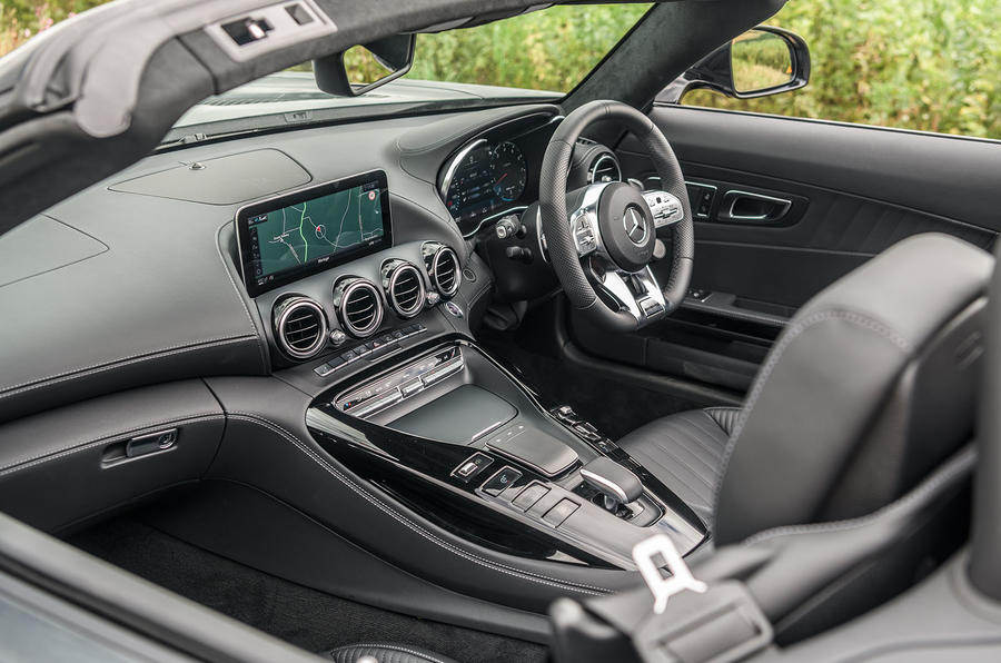 Mercedes-AMG GT Roadster 2019 UK first drive review - cabin