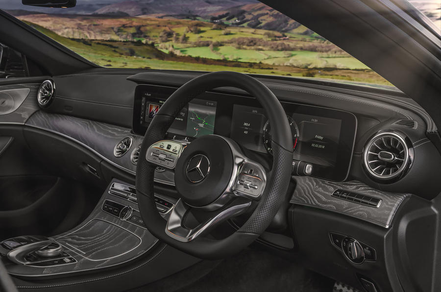Mercedes-Benz CLS 450 2018 UK review dashboard