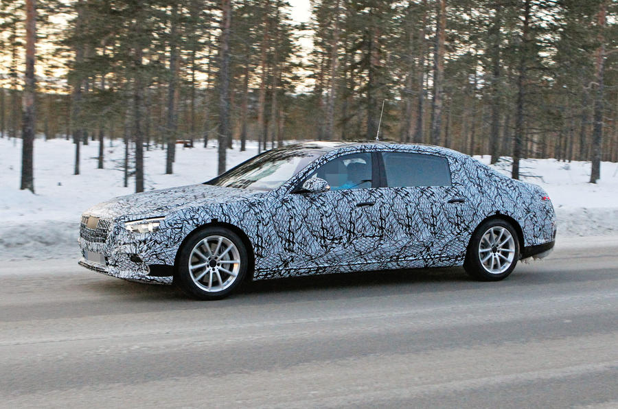 Mercedes-Benz S-Class spy shot 2020 - tracking side