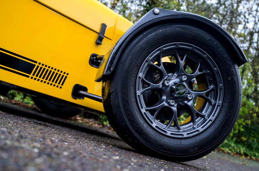 4 MK Indy RR Hayabusa 2021 : les premières roues en alliage d'entraînement au Royaume-Uni