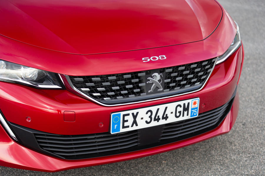 Peugeot 508 2018 review front bumper
