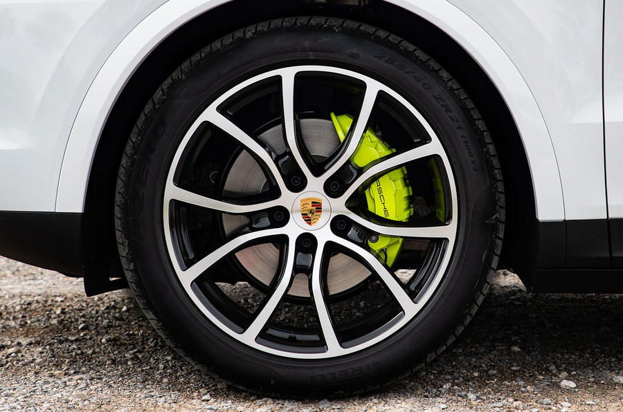 Porsche Cayenne E-Hybrid 2018 review alloy wheels