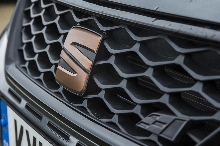 Seat Leon Cupra R 2018 UK review bonnet