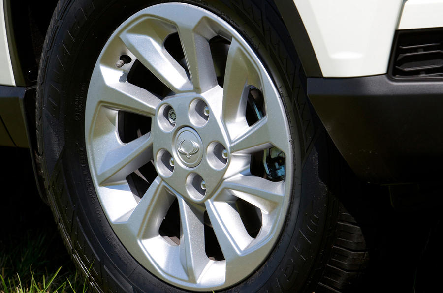 Ssangyong Musso EX 2019 UK first drive review - alloy wheels