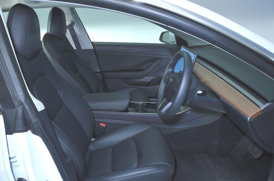 Tesla Model 3 Standard range Plus 2019 first drive review - cabin