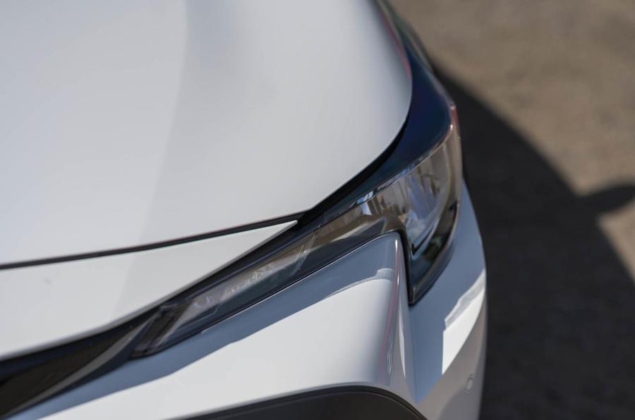 Toyota Corolla Trek 2020 UK first drive review - headlights