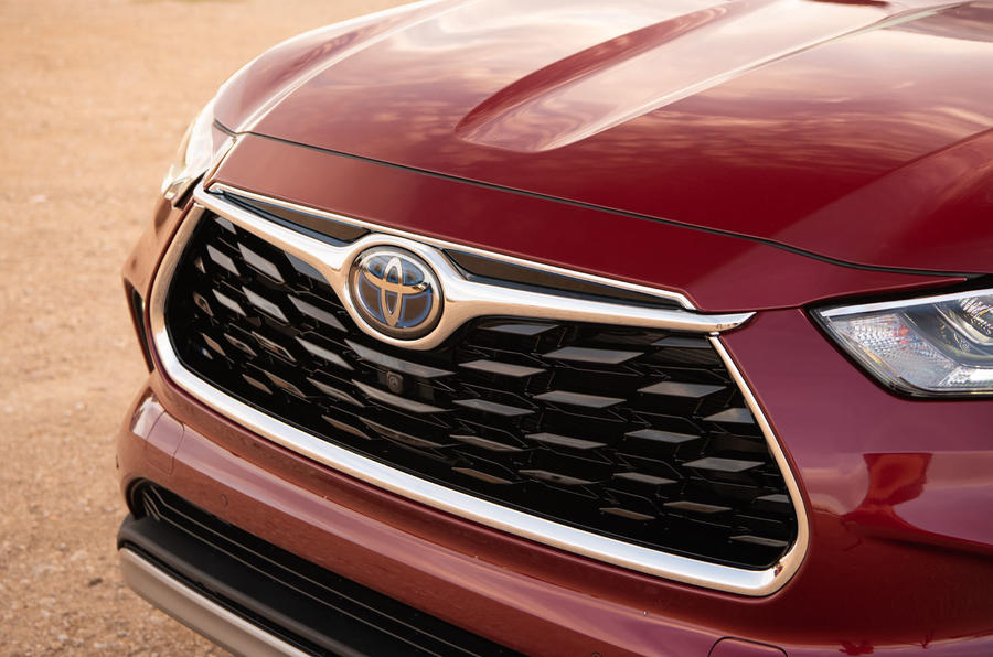 Toyota Highlander Hybrid 2020 first drive review - nose