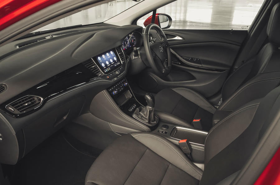 Vauxhall Astra 1.2 Elite Nav 2020 UK first drive review - cabin