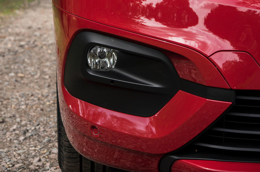 Vauxhall Combo Life 2018 UK first drive review foglights