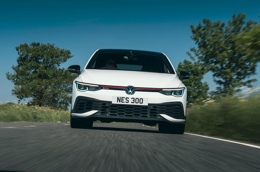 4 Volkswagen Golf GTI Clubsport 45 2021 UE FD héro nez