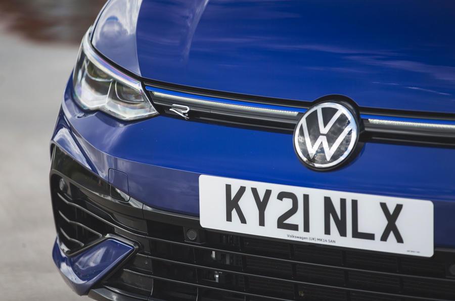 4 Phares de la Volkswagen Golf R performance pack 2021 UE FD