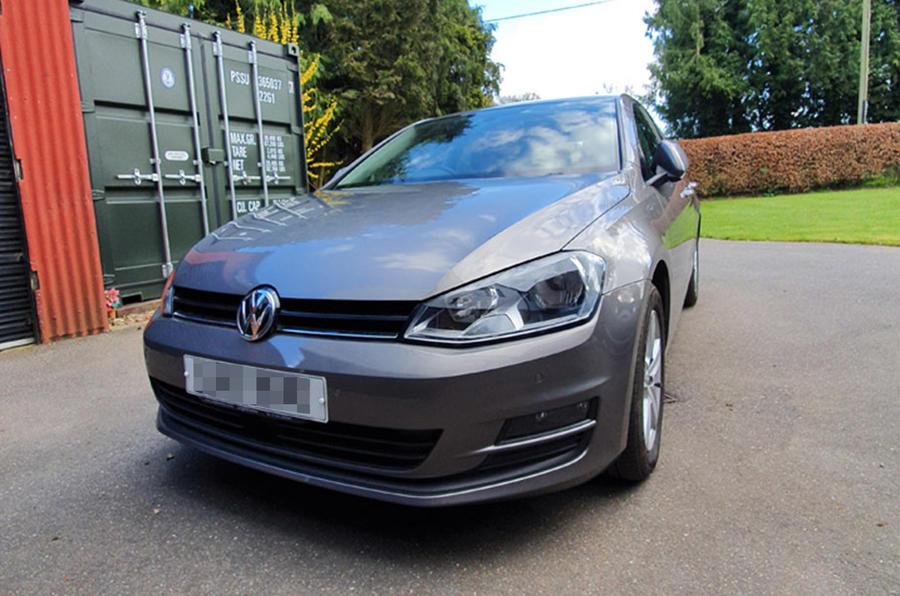 Volkswagen Golf - static front