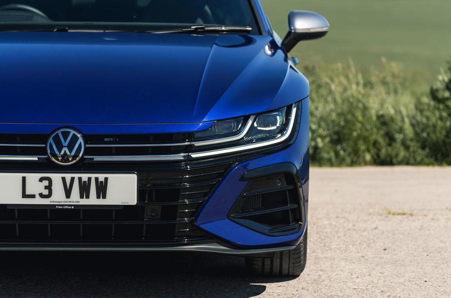 4 phares de la VW arteon R Shooting Brake 2021 UE FD