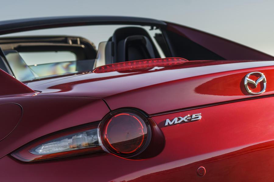 MX-5 RF Roof