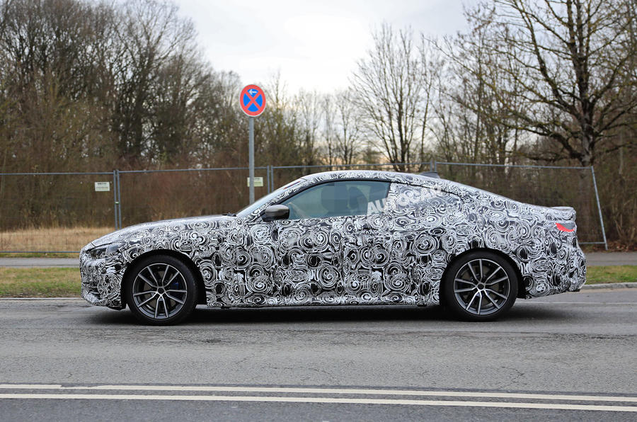 BMW 4 Series Coupe 2020 - hero side
