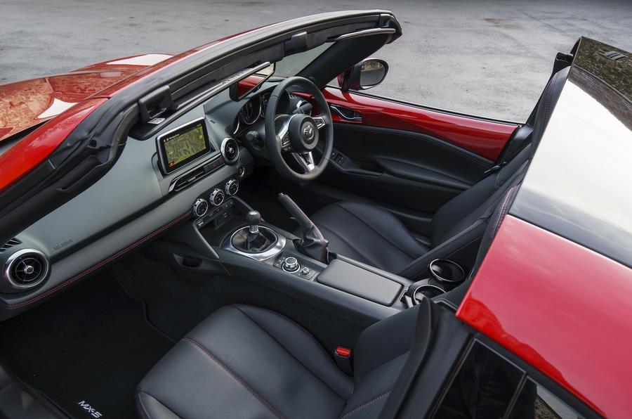 MX-5 RF Interior