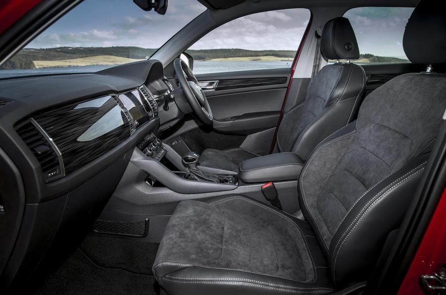 Skoda kodiaq 2 0 tsi 180 4x4 dsg se l 2017 review autocar for Interior skoda kodiaq