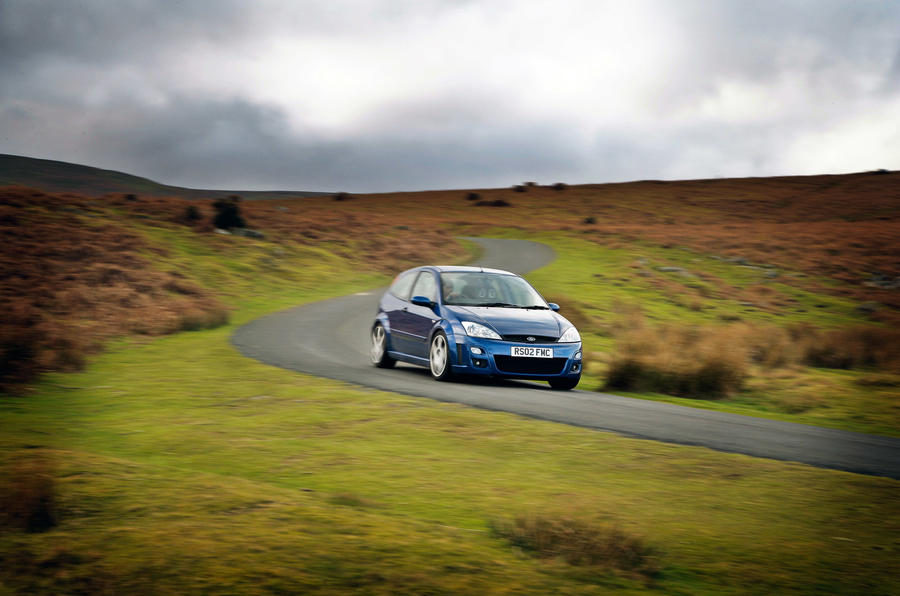 Ford Focus RS Mk1 - tracking front
