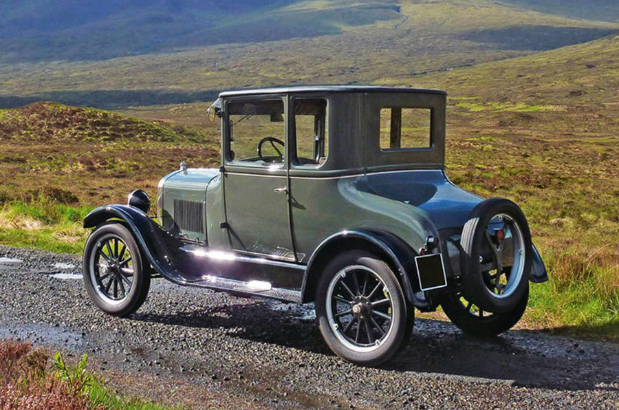 Ford Model T - stationary side