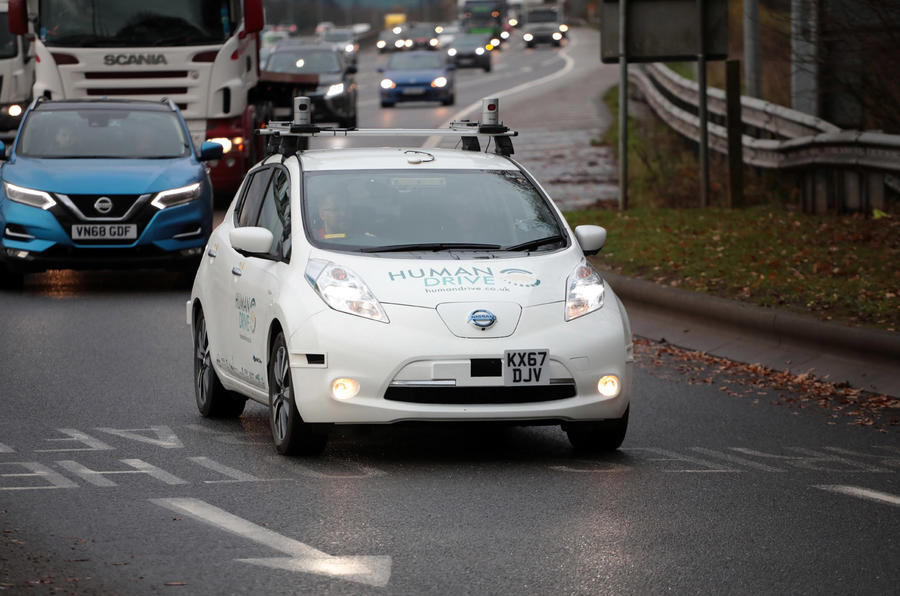 Grand Drive Nissan Leaf - tracking front