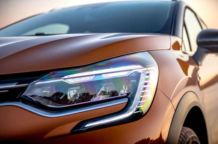 Renault Captur 2019 first drive review - headlights