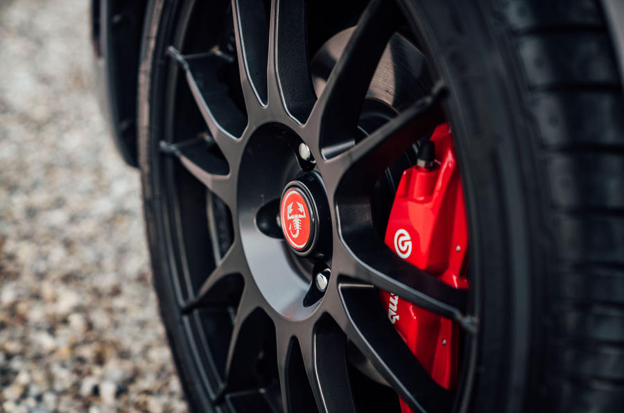 Abarth 124 GT review 2018 brake calipers